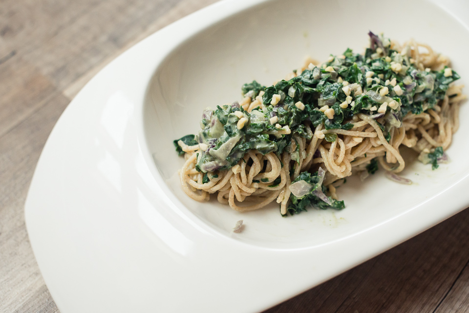 Spaghetti mit Spinat-Mandel-Creme