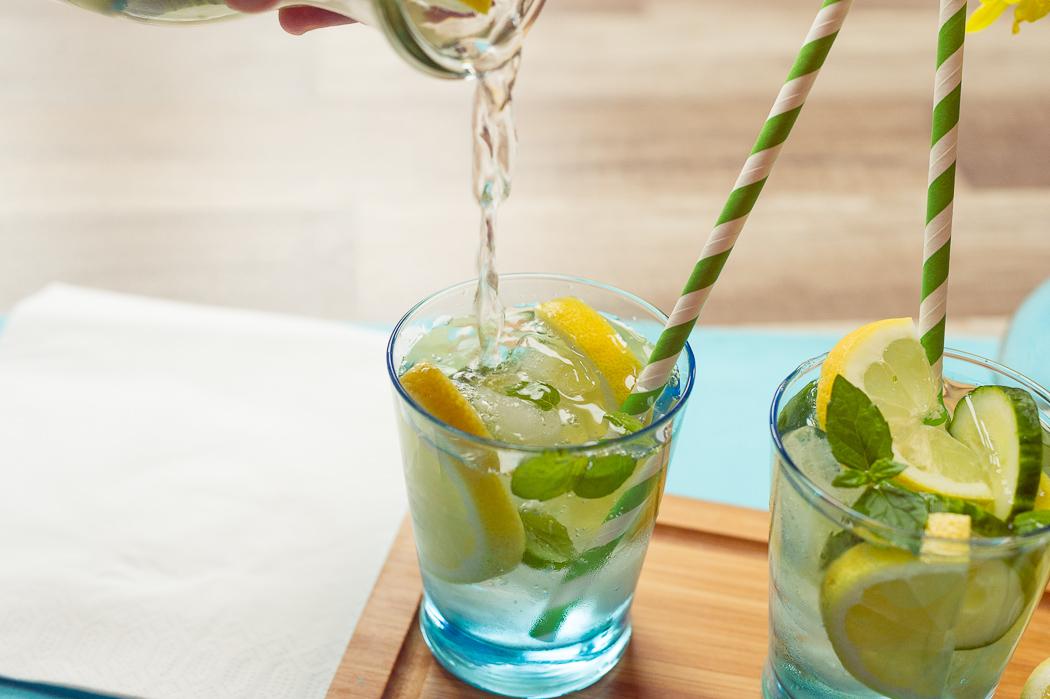 Infused-water-gesund-healthy-wasser-mit-geschmack-obst-gemüse