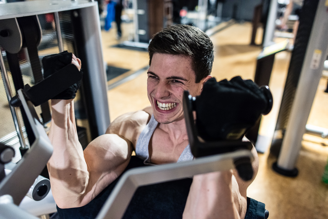wettkampfatgebuch-fibo-mealprep-vorkochen-julius-ise-mens-physique-mcfit