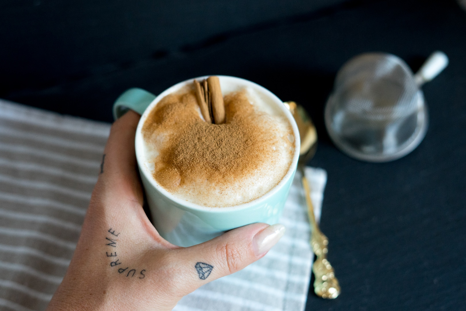 fitnessblog-fitnessblogger-fitness-blog-blogger-stuttgart-dreamteamfitness-snickerdoodle-latte-protein-more-nutrition